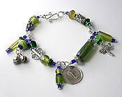 'ECCENTRIC GREEN'  Handmade Beaded Wire Bracelet