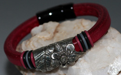 Regaliz Deep Red Leather Bracelet with Pewter Focal