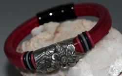 Regaliz Deep Red Leather Bracelet with Pewter Focal