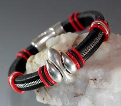 Regaliz Black Leather & Silver Chain Bracelet
